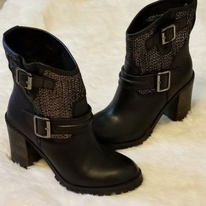 Chinese Laundry Boot 6 M US
